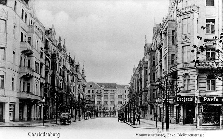 Photo: historical view of Mommsenstrasse (black-and-white)