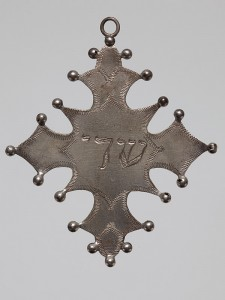 Amulet in shape of a cross