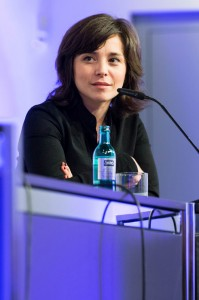 portrait photograph of Özlem Topçu