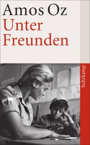 "Book cover ""Unter Freunden"" with a photograph of a teacher and her pupil"
