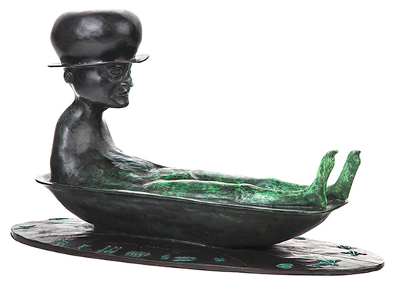 A bathing man with a hat