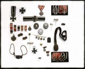 Sammlung von Orden, Ehrenzeichen und Emblemen