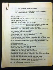 mit Büroklammer zusammengeheftetes Manuskript, geschrieben mit Schreibmaschine