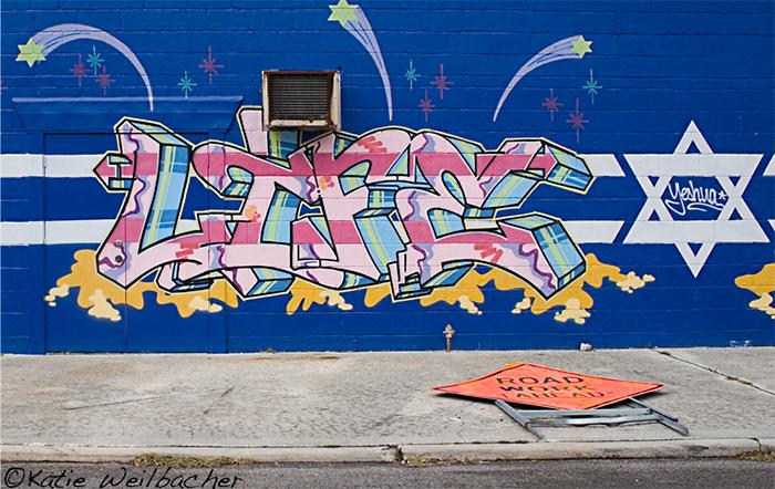 Ein Graffiti mit dem Schriftzug »Life« und einem Davidstern