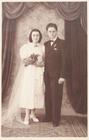 Schwarz-Weiß Fotografie eines Hochzeitspaares