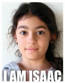"""Portrait eines Mädchen mit der Bildunterschrift """"I am Isaac"""""""