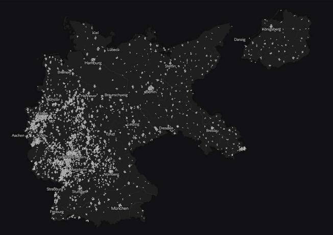 Screenshot: auf schwarzem Hintergrund sind zahlreiche helle Markierungen zu sehen. Sie lassen die Umrisse Deutschlands in den Grenzen von 1937 erahnen