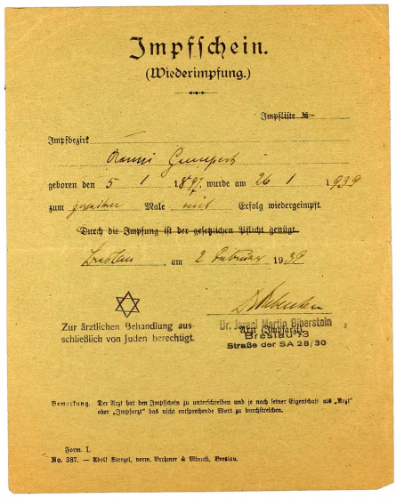 Impfbescheinigung für Aenni Gumpert: Vordruck, handschriftlich ausgefüllt, ebenfalls mit Zwangsnamen und Hinweis auf den Behandlungsbeschränkungen des Arztes