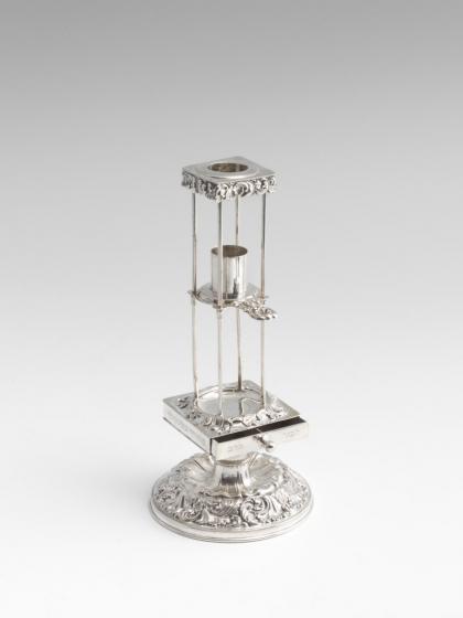 Silbernes Hawdala-Set mit Becher, Kerzenhalter und Besomimbüchse