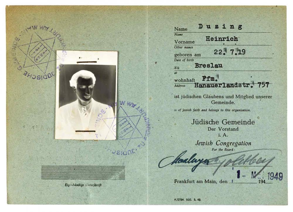 Mitgliedsausweis mit einem Negativ als Passfoto, der Mann ist in Breslau geboren
