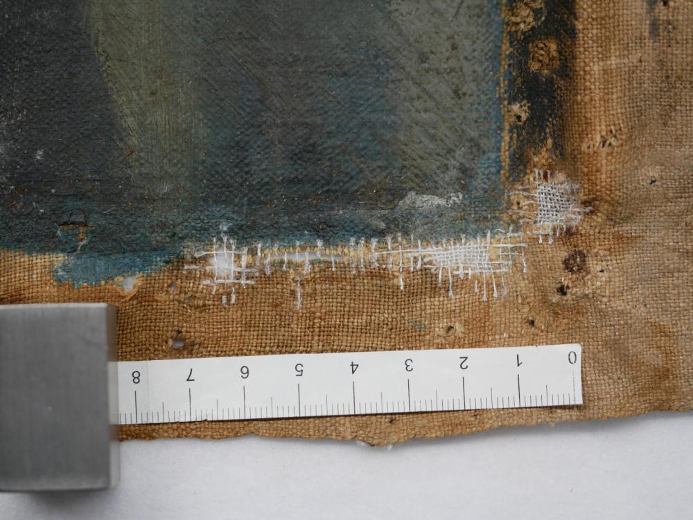 Nahaufnahme der Leinwand mit Fäden, die mit dem Ursprungsgewebe verbunden die Löcher schließen