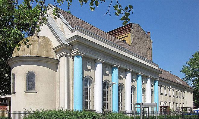 Farbfotografie der Synagoge Fraenkelufer Berlin, Außenansicht