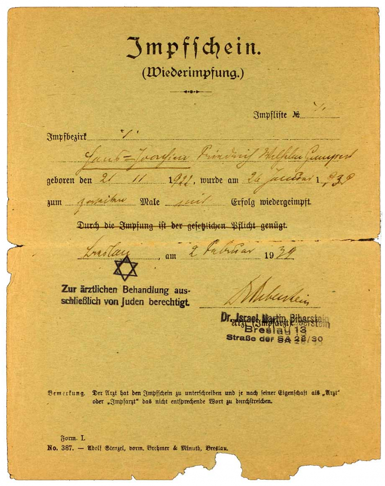 Vaccine certificate Hans Joachim Gumpert, including an imposed middle name and a Star of David stamp: Printed form, filled out by hand, Breslau, 1 Feb 1939