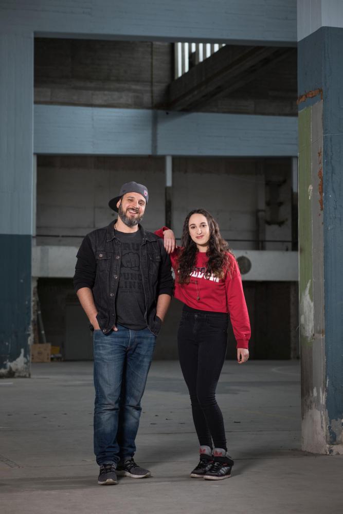 Der Rapper Ben Salomo und die Rapperin Sharon Suliman