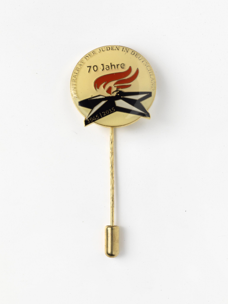 Pin for the 70th Anniversary of the Liberation on 9 May 2015