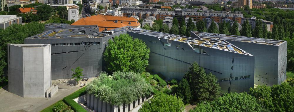 Libeskind-Bau und Garten des Exils, aus der Vogelperspektive fotografiert
