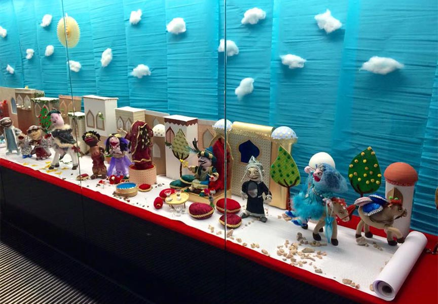 A showcase full of Puppets