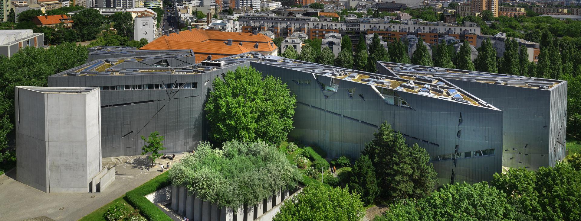 Blick auf den Libeskind-Bau von oben