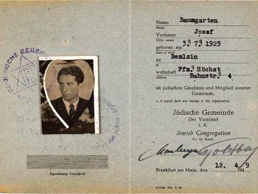 Mitgliedsausweis mit herzförmigem Passfoto