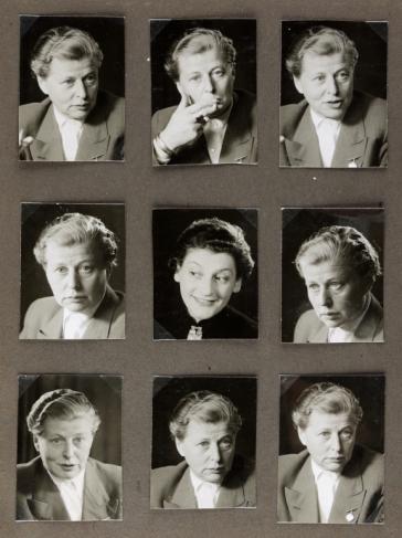 Porträtserie einer Frau mittleren Alters in maskuliner Frisur und Kleidung