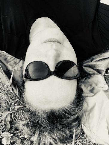 Selfie von Martina Lüdicke mit Sonnenbrille