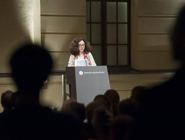 Miriam Goldmann speaking at the Jewish Museum Berlin