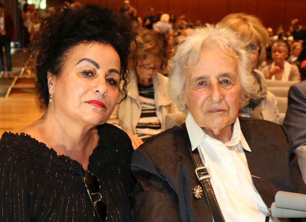 Photograph of Anita Lasker Wallfisch and Maya Jacobs-Wallfisch