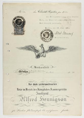 Seite des Adoptionsvertrags mit preußischem Adler, Briefmarke und Stempeln