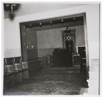 Black-and-white photograph of the synagogue in Lehnitz