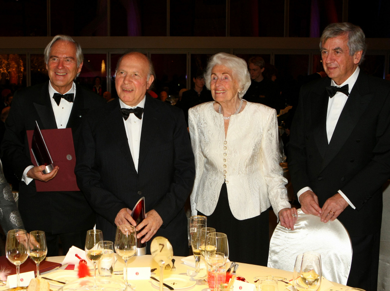 Anniversary dinner 2008: Roland Berger, Imre Kertesz, Hildegard Hamm-Brücher and Michael Naumann