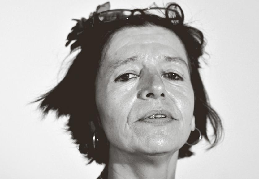 Porträt der Künstlerin Isabel Brosch