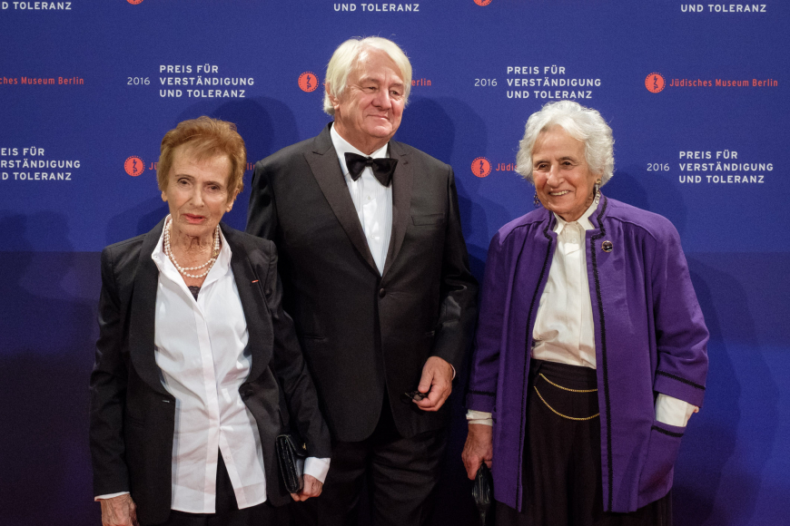Anniversary dinner 2016: Award winners Renate Lasker-Harpprecht and Anita Lasker-Wallfisch and award winner Hasso Plattner