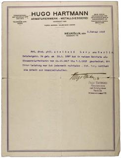 Maschinenschriftliches Arbeitszeugnis mit Briefkopf und eigenhändiger Unterschrift von Hugo Hartmann, er war »jederzeit zufrieden. Frl. Levy verlässt die Arbeit nur krankheitshalber.«