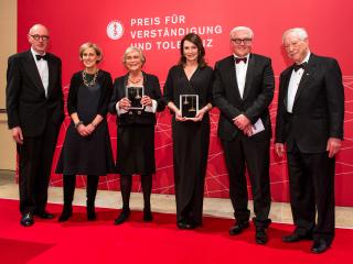 Anniversary dinner 2013: Ulrich Raulff, Regine and Doris Leibinger, Iris Berben, Frank Walter Steinmeier, and W. Michael Blumenthal
