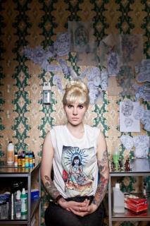 Die Tätowiererin Myra Brodsky