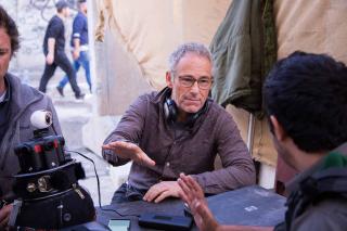 Dani Levy gibt Instruktionen am Filmset