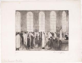 Die Radierung zeigt eine große Gruppe größtenteils im Stehen betender Männer in Gebetskleidung in einer hohen lichten Synagoge mit Orangeriefenstern.