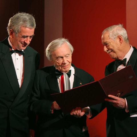Galadinner 2005, Preisträger Heinz Berggruen mit Michael Naumann und W. Michael Blumenthal