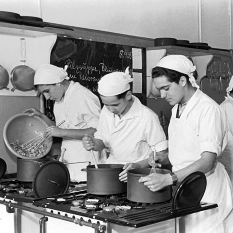 Students in a cooking lesson