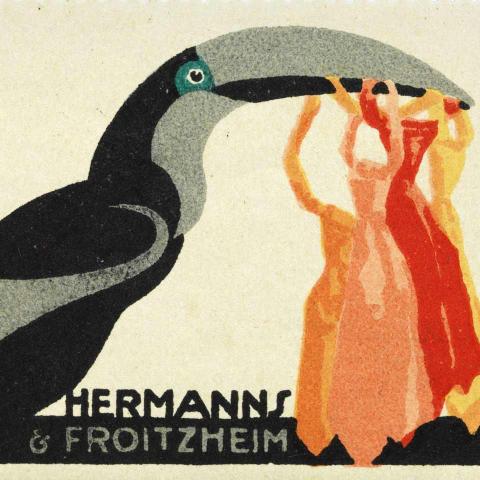Reklamemarke der Firma Hermanns & Froitzheim, die einen Tukan zeigt.  Der Vogel trägt rote, gelbe und orange Krawatten im Schnabel